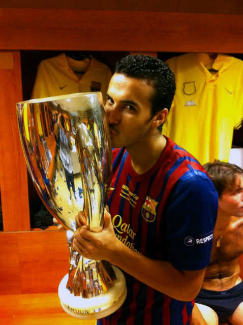 Pedro besa su segunda Supercopa de Europa (26-08-11)