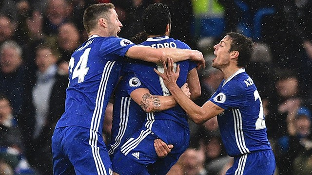 Superb Pedro leads Blues to win over Swans (3-1)