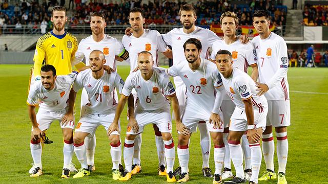 La Selección acaricia el Mundial tras arrasar Vaduz (0-8)