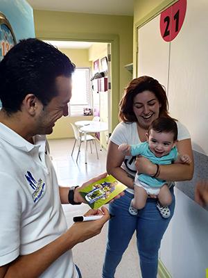 Pedro visita un hospital con la Fundación