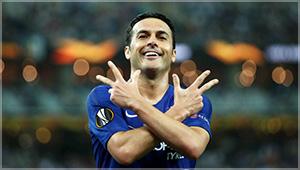 Pedro celebra su gol en Bakú (2-0)