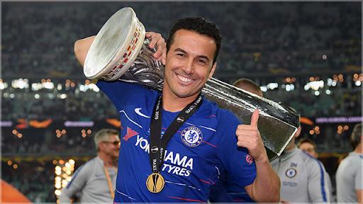 Pedro con el Trofeo de Europa League 2018-19