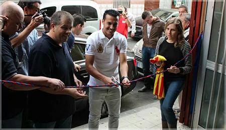 Pedro inaugura la nueva sede de la Peña en Santa Cruz